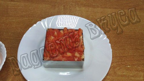 sloenyj-salat-s-kuricej