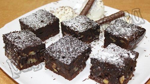 Шоколадный брауни классический
