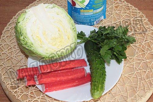 krabovyj-salat-s-kapustoj-i-ogurcom-za-10-minut