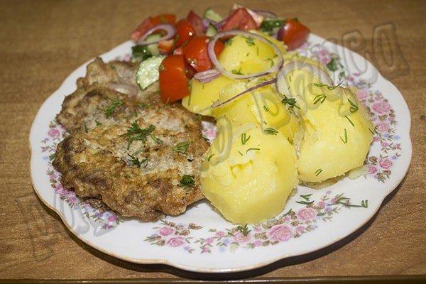 Простой и вкусный ужин из мяса и картошки, готовим быстро, вкусно и сытно.