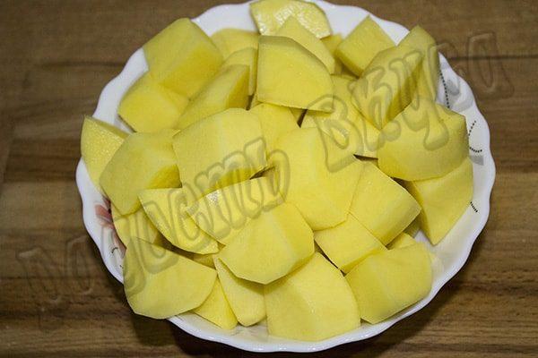 kartofel-tushenyj-s-ovoshhami-v-multivarke