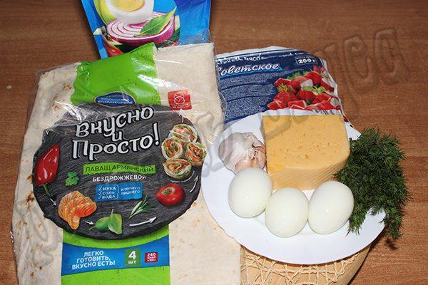 Сочный рулет из лаваша, крабовых палочек и яиц с сыром
