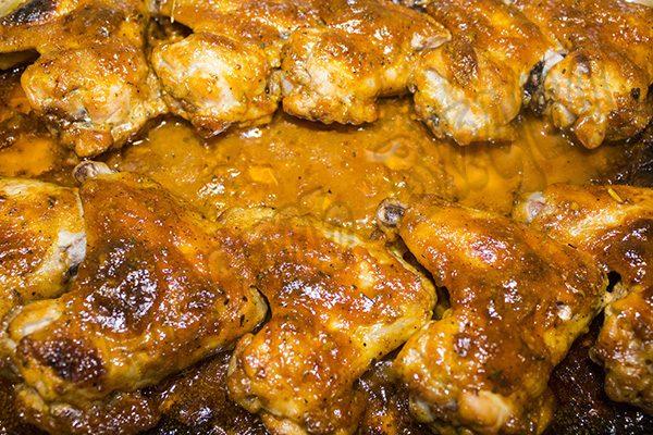 Куриные крылышки в томатно - медовом соусе