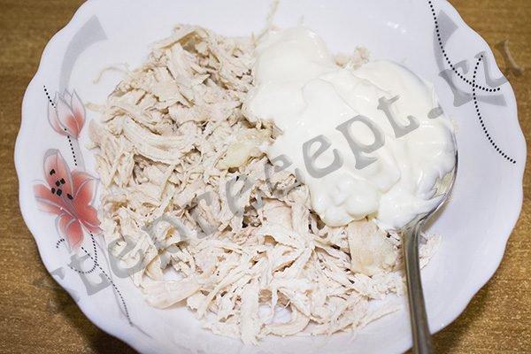 Закуска - рулет из лаваша с курицей