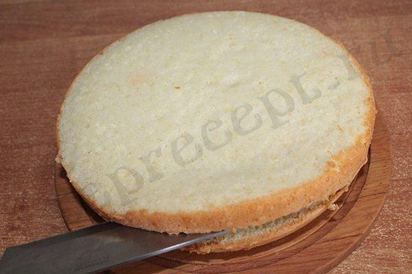 Бисквитный торт с персиками консервированными