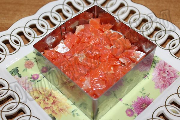Слоеный салат из семги с сыром #2