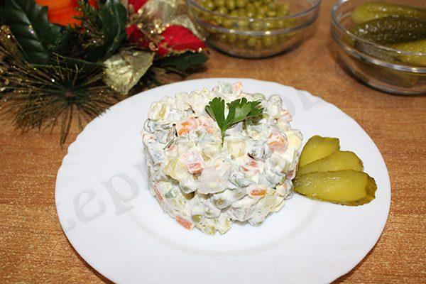 Салат «Столичный» с мясом