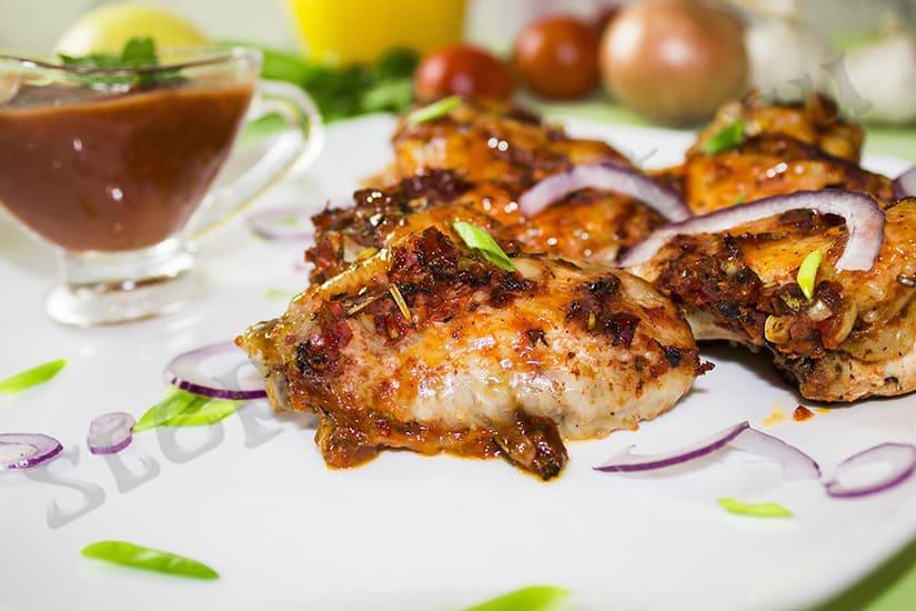 Куриные крылышки с аджикой в духовке
