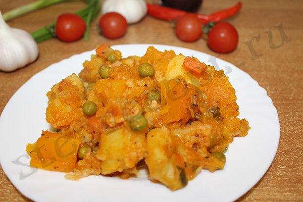 Картофель тушеный с овощами без мяса