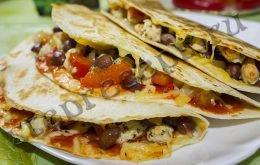 Мексиканское буррито с курицей