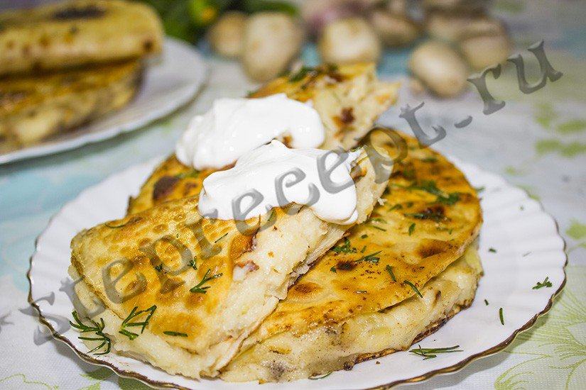 Кыстыбый с картошкой по-татарски