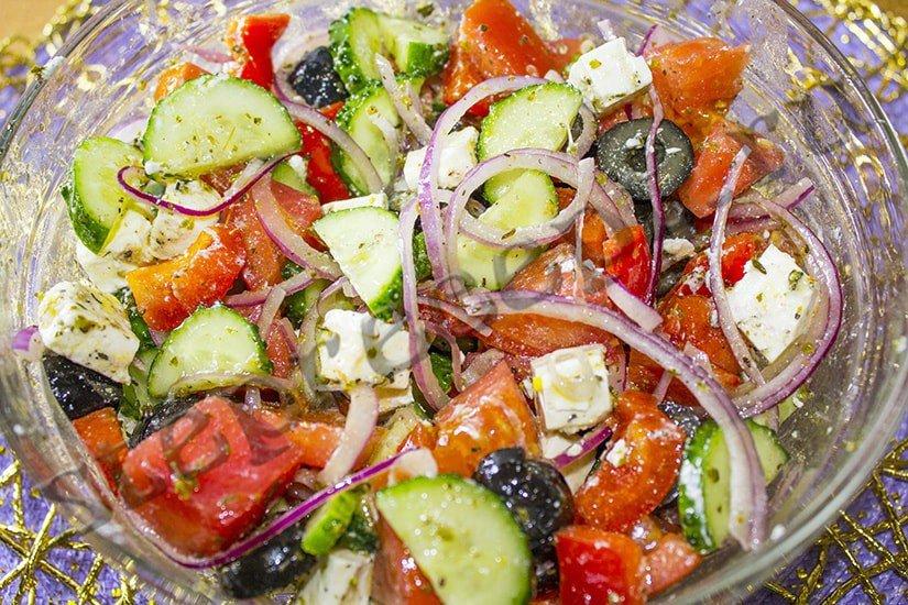 Салат «Греческий» с вкусной заправкой