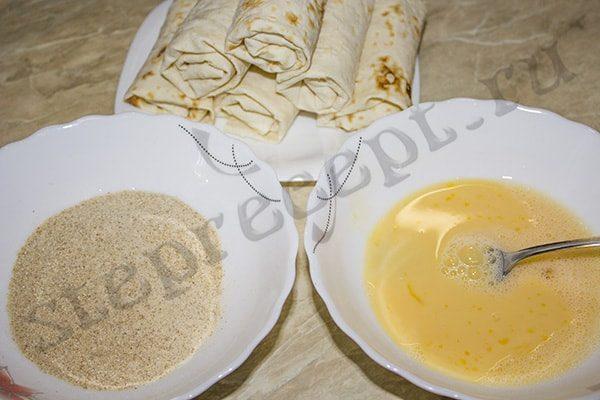 Рулетики из лаваша с курицей и сыром во фритюре