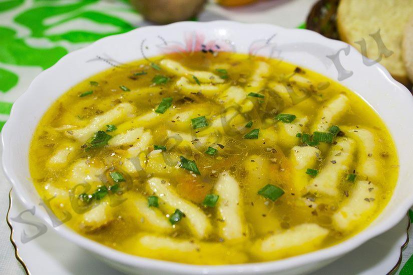 Гречневый суп с грибами и картофельными клецками
