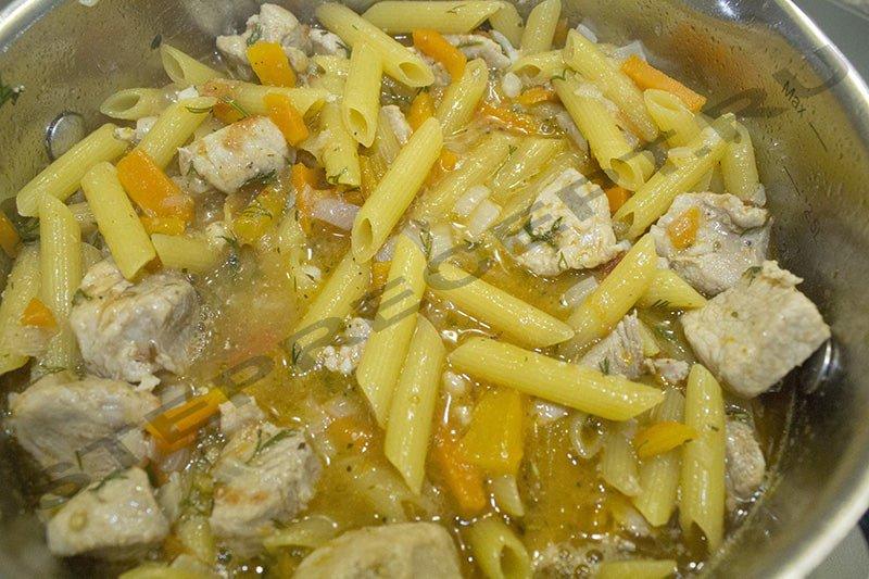 Макароны с мясом и овощами по-татарски