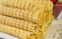 Тесто для электровафельницы – вкусные вафельные трубочки