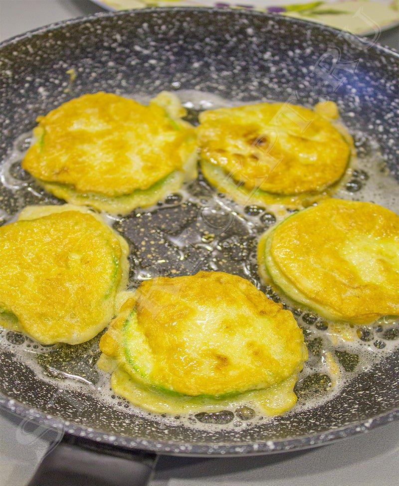 как приготовить жареные кабачки в кляре