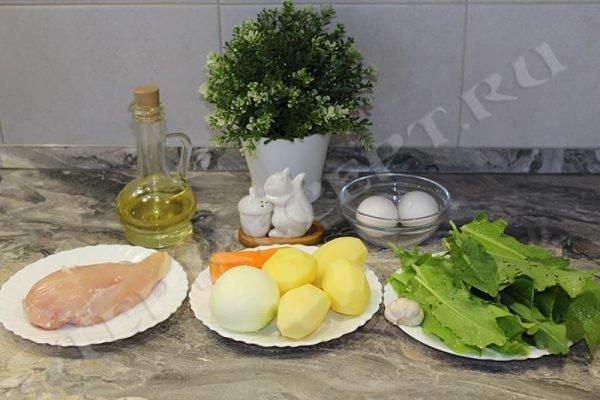 Суп из щавеля с курицей и яйцом