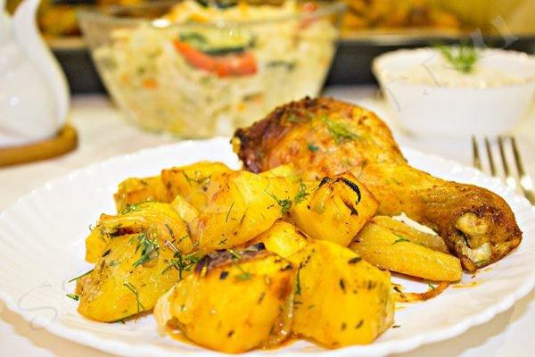 картошка с курицей в духовке на протвине