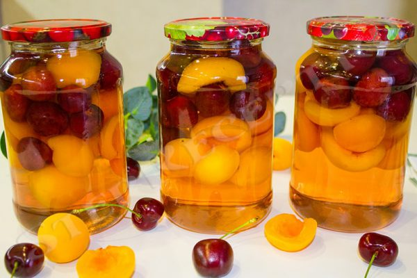 компот из вишни и абрикосов на зиму