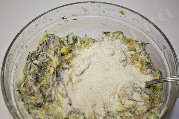 котлеты из кабачков с фаршем на сковороде