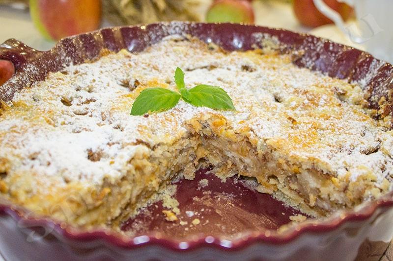 насыпной пирог с манкой и яблоками