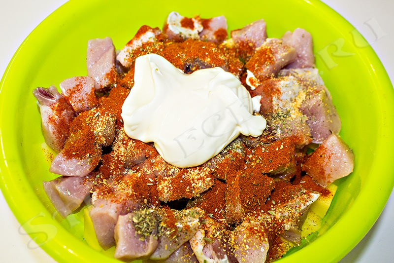 жаркое в духовке с мясом и картошкой