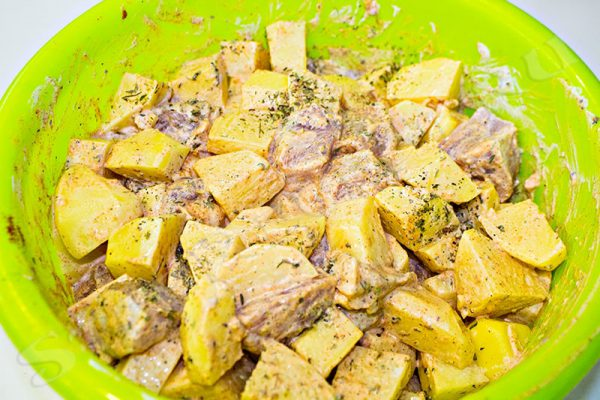 как сделать картошку с мясом в духовке