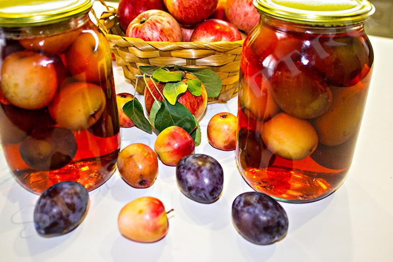 сливово яблочный компот